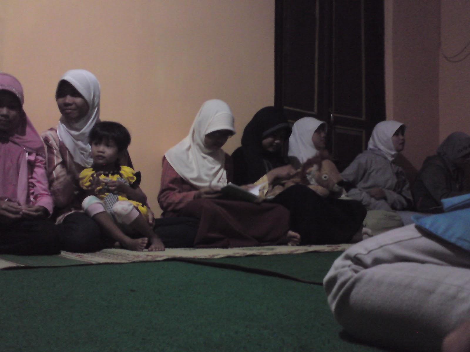 Contoh Teks Pranatacara Bahasa Jawa Acara Rapat Pemuda