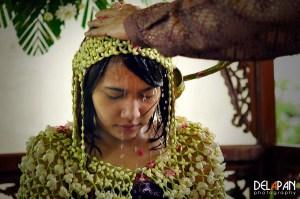 siraman-dalam-pernikahan-adat-jawa (1)